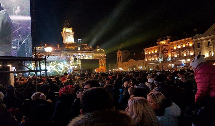 Simfoničari i orkestar Bobana Markovića večeras na Trgu slobode