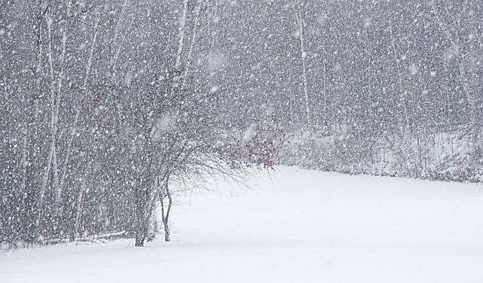Više od 130 građana evakuisano zbog snega i hladnoće