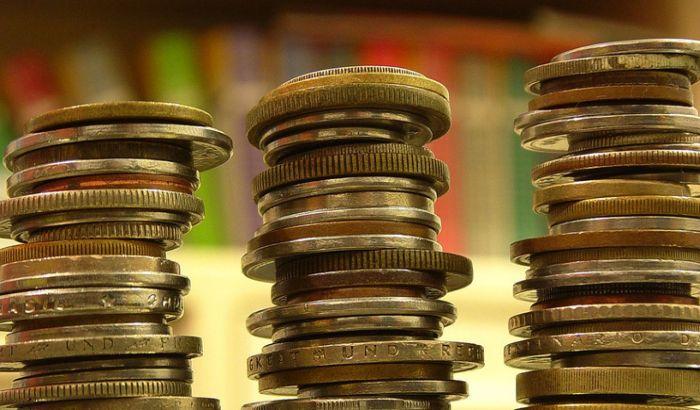 U najboljem slučaju, plate u Srbiji će za deceniju biti 600, a penzije 300 evra