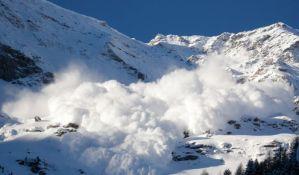 Dve osobe nestale u snežnoj lavini u Švajcarskoj
