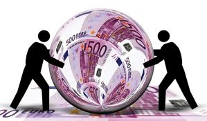 Građani Srbije zaduženi sedam milijardi evra