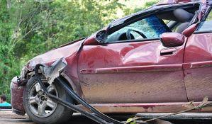 Dve osobe poginule, tri povređene u udesu kod Rume