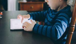 Da li i vaše dete u govoru meša srpski i engleski jezik?