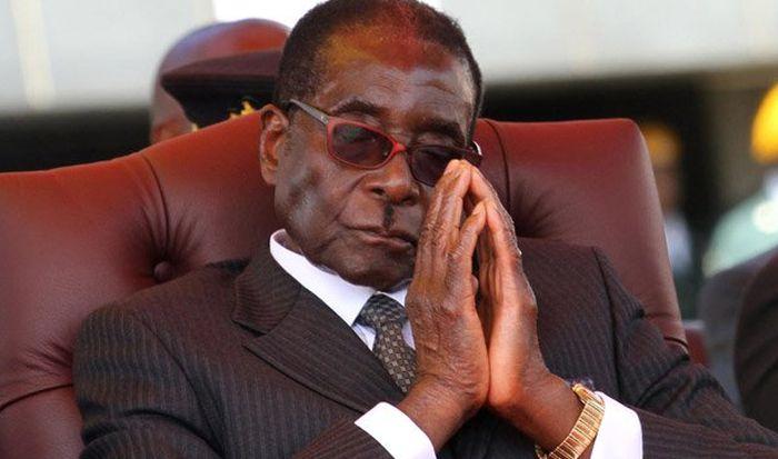 Uprkos najavama Mugabe ne podnosi ostavku