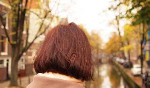 Zašto nam kosa više opada na jesen?