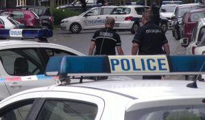 Još jedan napad na policajku: Više puta kolima odgurnuo službenicu