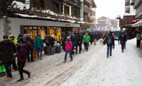Ponovo blokirani putevi do švajcarskog zimskog centra