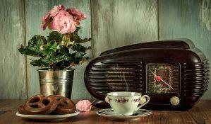 Sakupio oko 500 starih radio-aparata