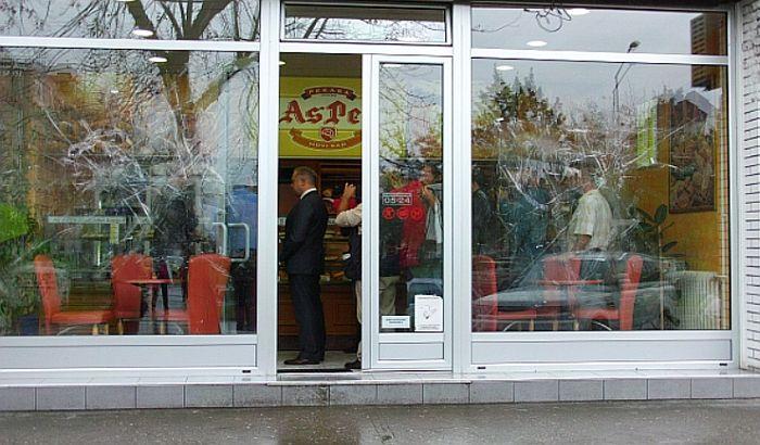 Zbog uništavanja albanskih pekara pre tri godine, šest maloletnika na humanitarnom radu