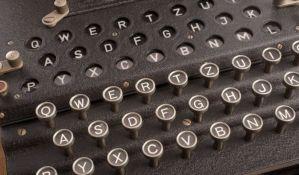 VIDEO: Rumun na pijaci kupio nemački uređaj za šifrovanje - Enigmu