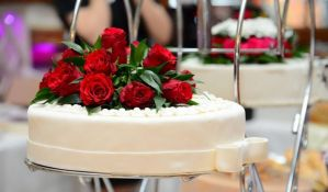 Mladenci otkazali svadbu pa za beskućnike organizovali gozbu