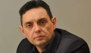 Vulin ostaje predsednik radne grupe za pitanje migranata