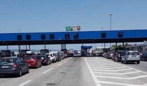 Počele gužve na granici, na ulaz iz Hrvatske čeka se tri sata