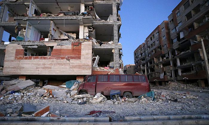 Najmanje 530 mrtvih u zemljotresu na iračko-iranskoj granici