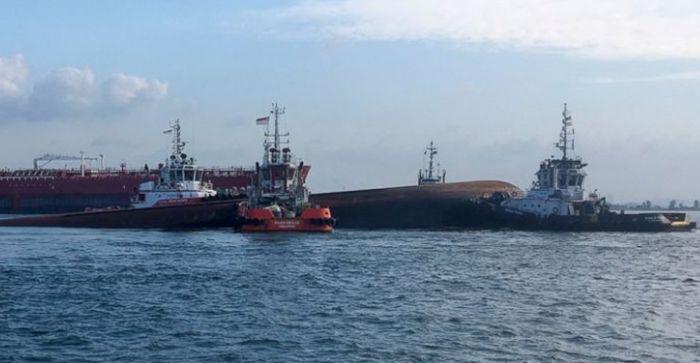 VIDEO: Sudar tankera i broda kod Singapura, petoro nestalih