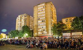 Dve hiljade ljudi gledalo filmove pod otvorenim nebom na Novom naselju
