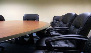U dve fotelje će sedeti najmanje 45 političara