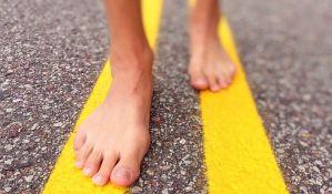 Hoće da obori rekord hodajući bos 2.100 kilometara
