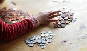 Građani Srbije žive u penzionerskoj ekonomiji - za hranu i piće dnevno imaju dva evra