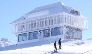 Umesto da sruši nelegalni objekat na vrhu Kopaonika, investitor završio izgradnju