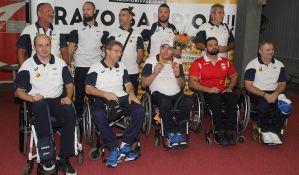 VIDEO: Paraolimpijci stigli u Srbiju, skroman doček na aerodromu