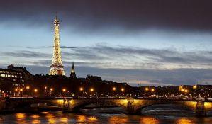 Francuska podeljena nedelju dana pred glasanje