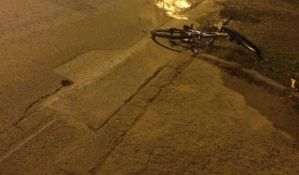 Biciklista poginuo kada ga je oborio kamion, vozač pobegao