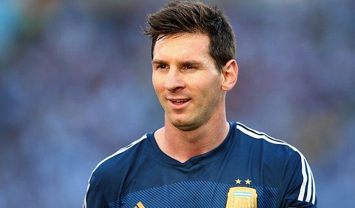 FIFA ukinula suspenziju Mesiju