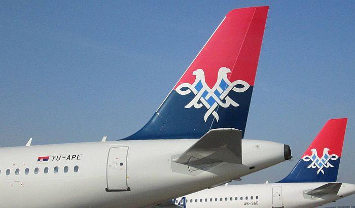 Uhapšeno četovoro putnika na letu Beograd-London, pušili uprkos upozorenjima