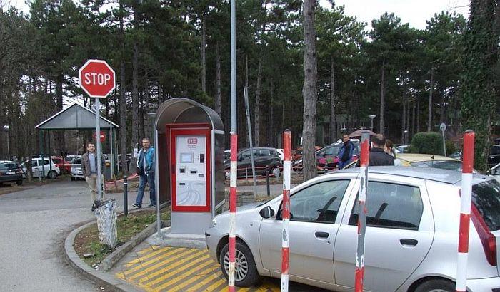 Uvedena automatska naplata parkinga kod Instituta u Sremskoj Kamenici