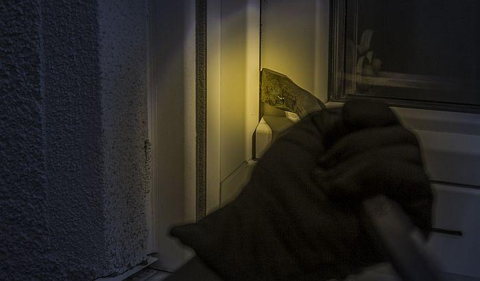 Provaljivao i krao iz kuća na Klisi, uhvaćen dok je bežao iz zemlje