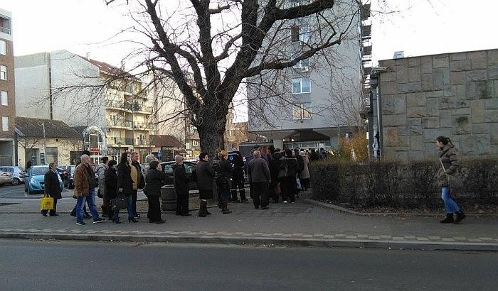 Jedina filijala RFZO u Novom Sadu radi produženo zbog gužvi