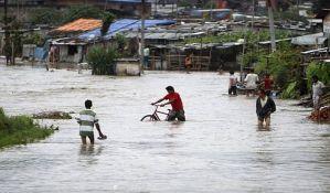 U Indiji i Nepalu 90 mrtvih u poplavama