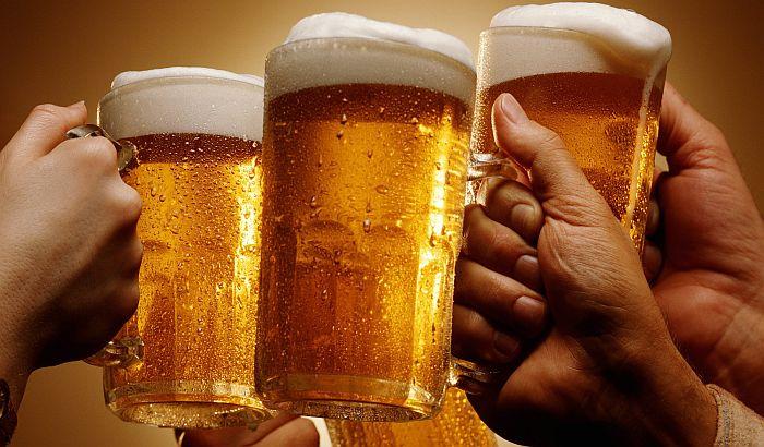 Ogromna plata za ispijanje piva