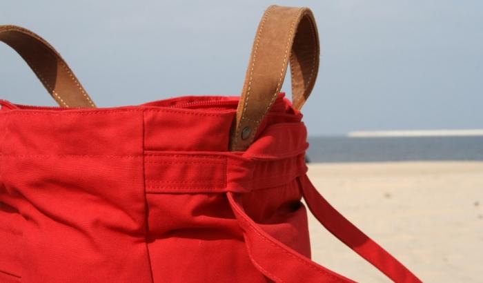 Zabranjeno nositi velike torbe na plaže u Kanu