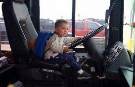Dvanaestogodišnji Nišlija ukrao autobus i vozio ga kilometrima
