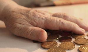 Unuk tukao baku jer nije htela da podigne penziju i da mu pare
