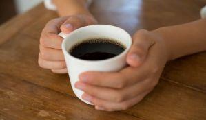 Preminio od predoziranja kofeinom