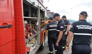 Više od 30 vatrogasaca gasilo požar u lokalima na Adi Ciganliji