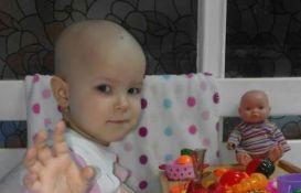 Posetioci Štranda u ponedeljak pomažu lečenje male Mione Kojadinović obolele od leukemije