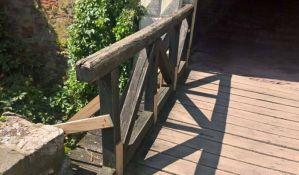 Obnavljaju se drveni mostići i staze na Petrovaradinskoj tvrđavi
