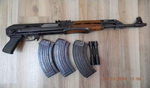 FOTO: Proizvodio i nosio nelegalno oružje