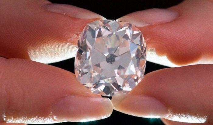 Prsten kupljen kao bižuterija prodat za 750.000 evra