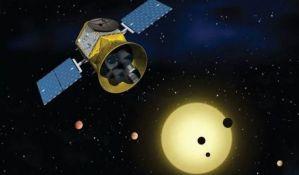NASA lansira