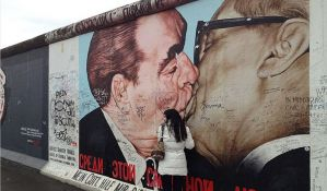 Nemačka gradi zid oko Berlinskog zida