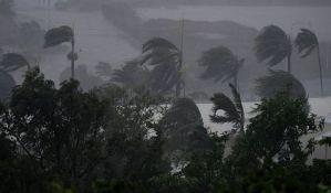VIDEO: Ciklon Debi stigao do Australije, poginula jedna osoba