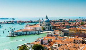 U Veneciji zabranjuju sedenje na stepenicama