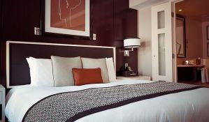 U hotelskim sobama najbitnija - utičnica