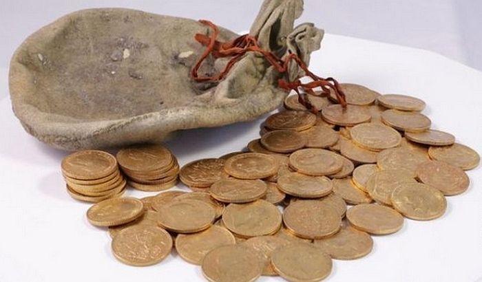 Pronašli u klaviru vreću zlatnika starih više od 100 godina