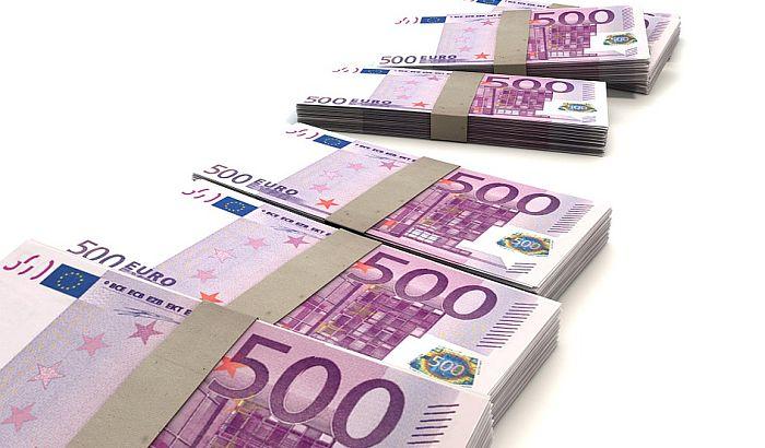Evro značajno oslabio prema dolaru